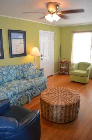 Pet-friendly Villa! #17 - Gulf Shores