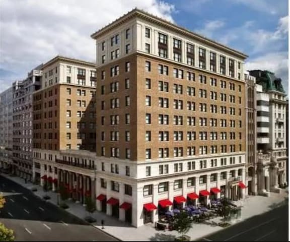 Chic 1-BR near The National Mall + Great Amenities