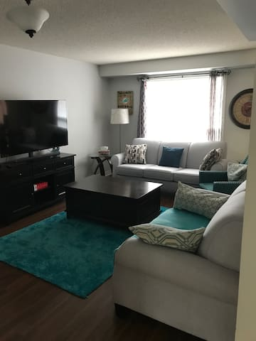 Quiet cute condo/Town shared unit with owner
