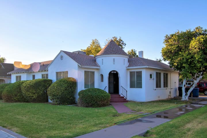 Charming Historic Home in Mesa Temple District