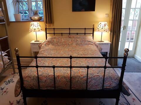 Comfortable Family Room, Parsonage Farm, Croscombe