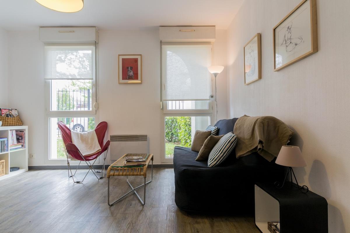 maison du monde dijon toison d or au fond du parking le. Black Bedroom Furniture Sets. Home Design Ideas