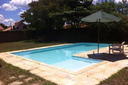 Casa c/ piscina e a 50m da praia em Saquarema - Saquarema
