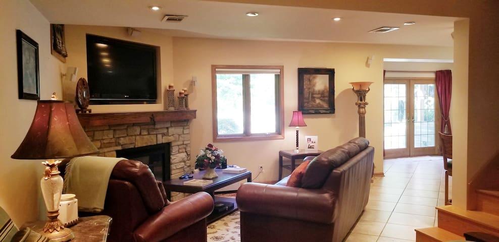 Lovejoy's Cottage LLC