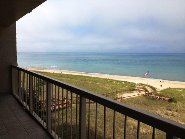 Sheridan Beach Condo with Lake Michigan Views