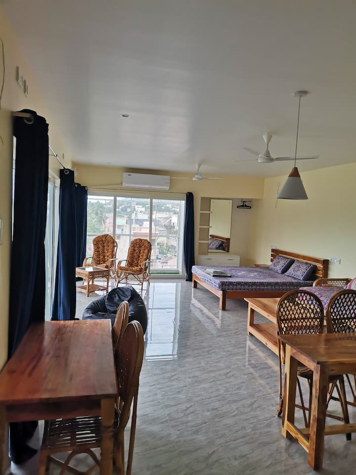 Spiritual penthouse suite close to Ramana ashram
