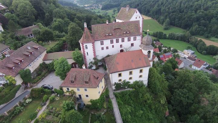 Burg Egloffstein - Jägerhaus