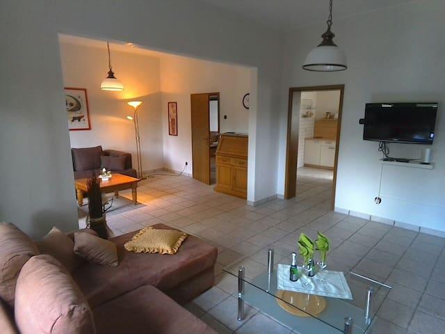 Großzügige Wohnung im Altbau - Bottrop - Apartment