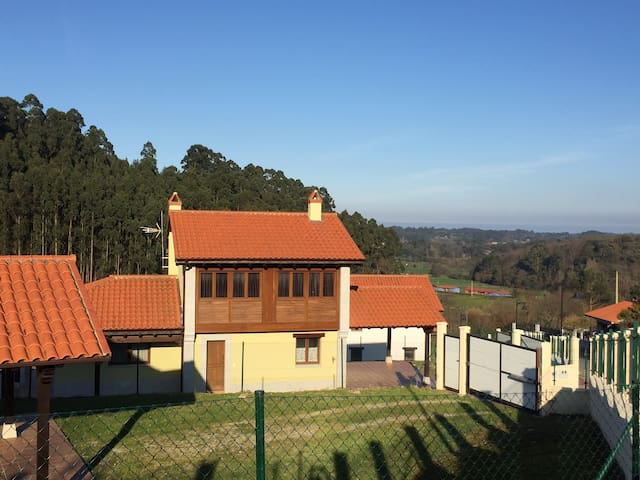 Villa with nice plot in Llanes (Asturias) - Posada de Llanes