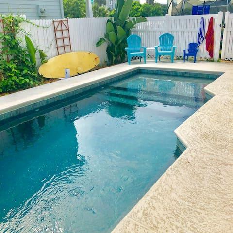 Pura Vida Pool Home Across from Ocean
