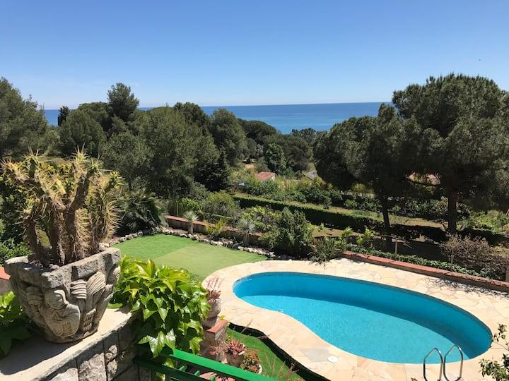 Villa Leonor- vista al mar en Maresma/ Barcelona