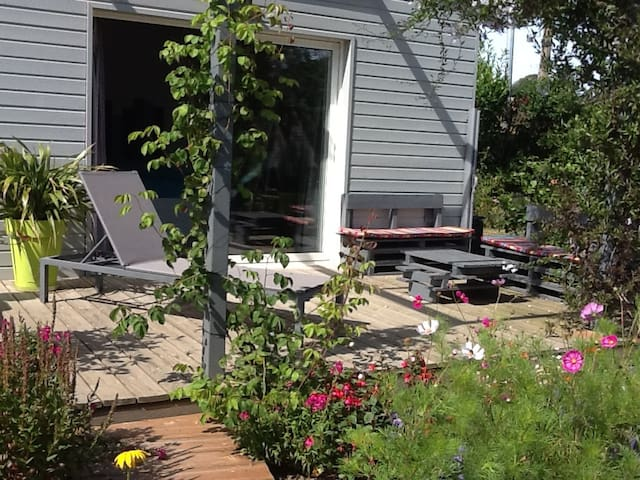 Chambre d'hôte très spacieuse dans jardin fleuri - Binic - Bed & Breakfast