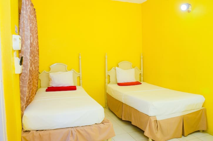 Room options are. Twin or double beds. Please request your preference after booking.