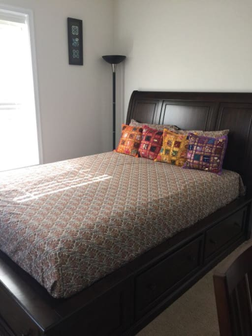 Queen size bed with 6 storage drawers.