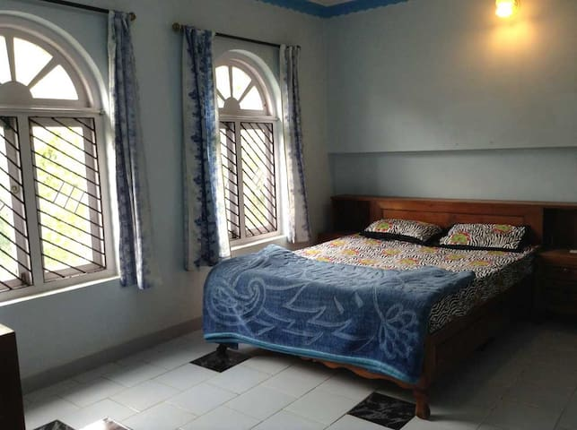 Homestay Cottage - Family Room #1 - Ooty - Bungalow