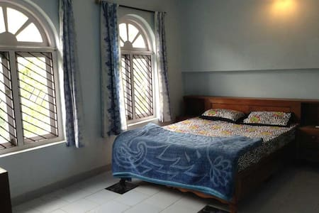 Ooty White House Homestay Cottage - Family Room #5 - Bungaló