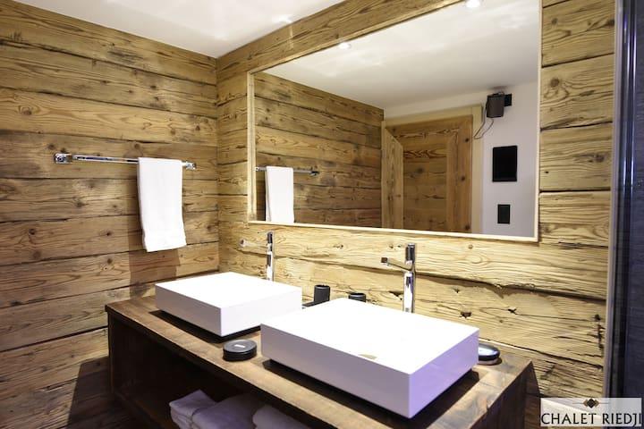 Chalet Riedji - Ferienhaus - Furna