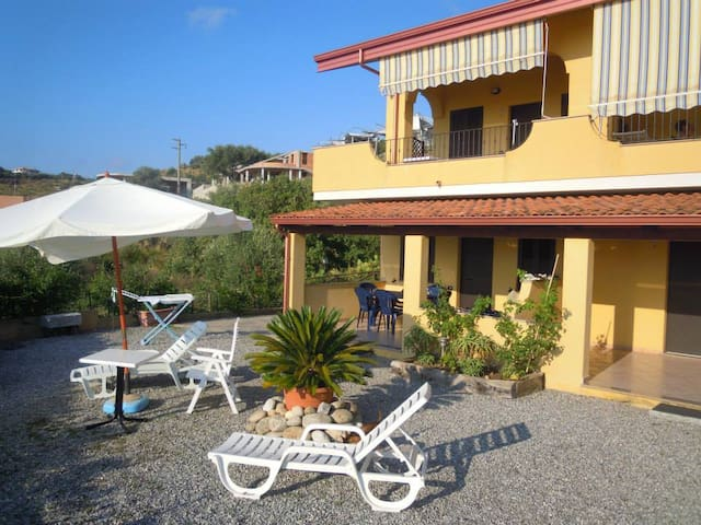B&B BACIATI DAL SOLE - Marina di Zambrone - Penzion (B&B)