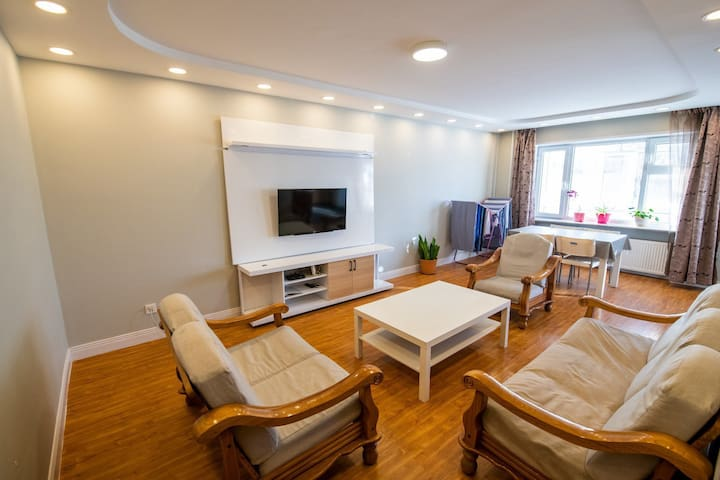 UBair- Spacious & Comfy  City Center Private Apt