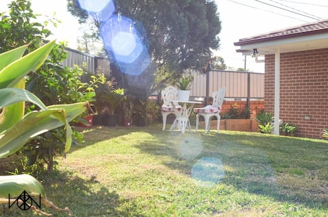 Cozy Granny Flat in Rooty Hill close to station