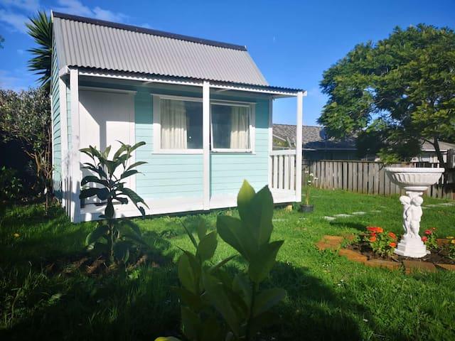tiny house, big garden,super private