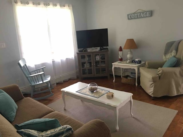 Seaclusion Cove Cottage $1250/week