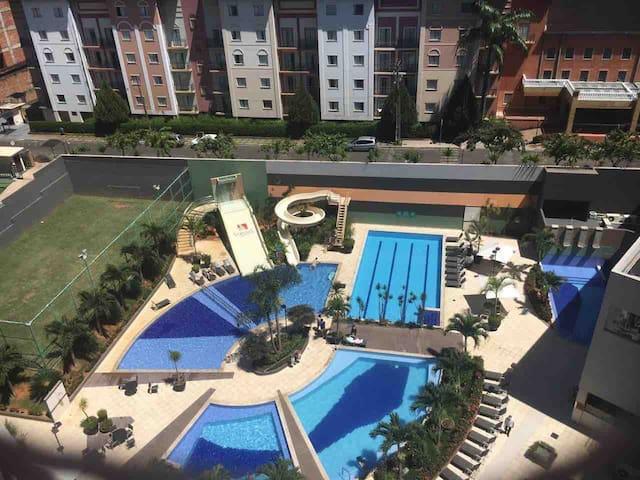 Apto 817  Hotel veredas do Rio Quente !