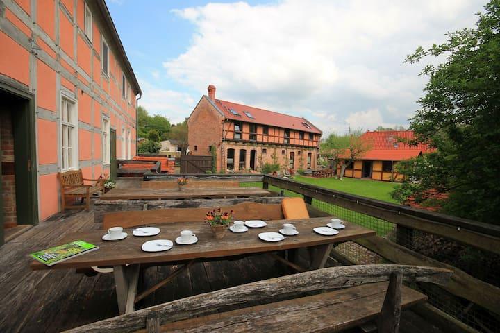 Rustikale Ferienwohnung in Wassermühle - Nordwestuckermark - Vakantiewoning