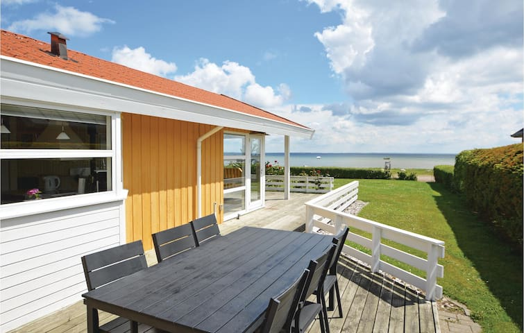 Holiday cottage with 3 bedrooms on 85 m² in Bjert