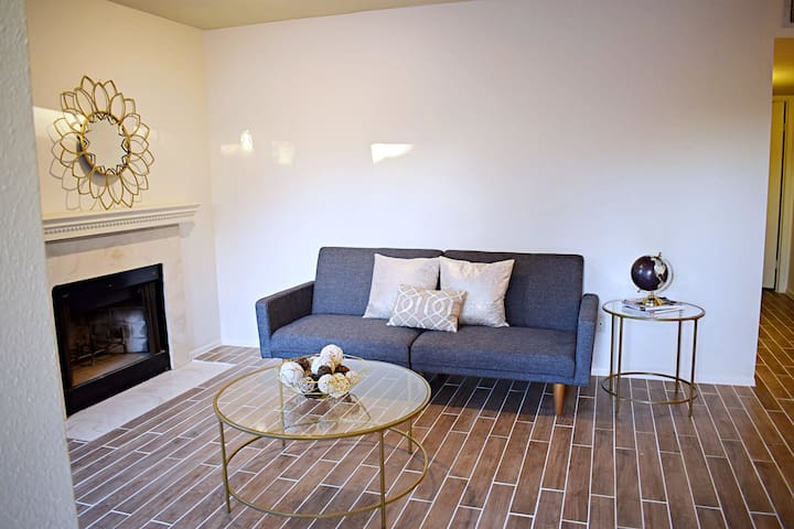Updated Condo Close to Downtown w/ Fireplace :)