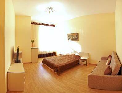 Большая квартира рядом с МкДональдс - Mykolaiv