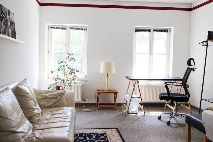 Wohnen im Zentrum - Schönes, Helles Zimmer