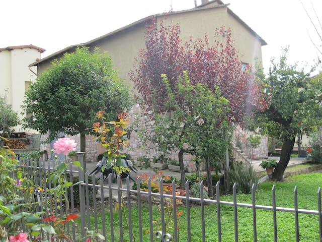 Trevi, La casa del Borgo - Trevi - Dom