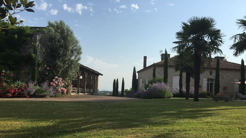 Outstanding property South of France POOL&TENNIS - Laugnac - Rumah