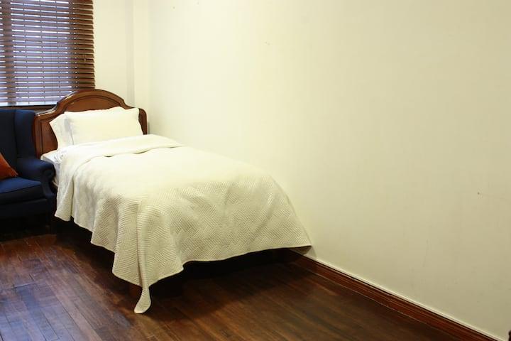 Comfortable room in Chapinero Alto
