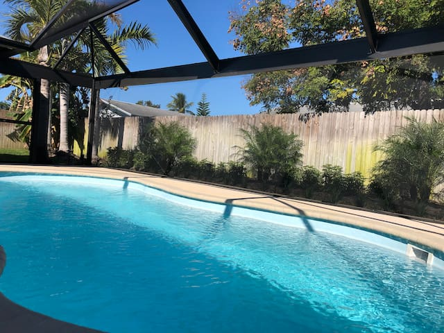Fabulous House w/Brand NEW POOL! Near Beach /Shops