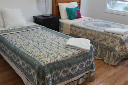 10 Min to NYC ~ Bedroom for 2 - Union City