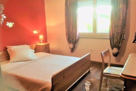 Maison Maria Sabonje  2 rooms  suite : Soleil
