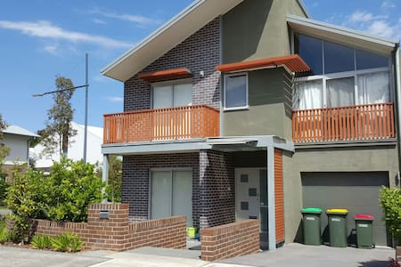 New riverside 2 storey house - Ermington