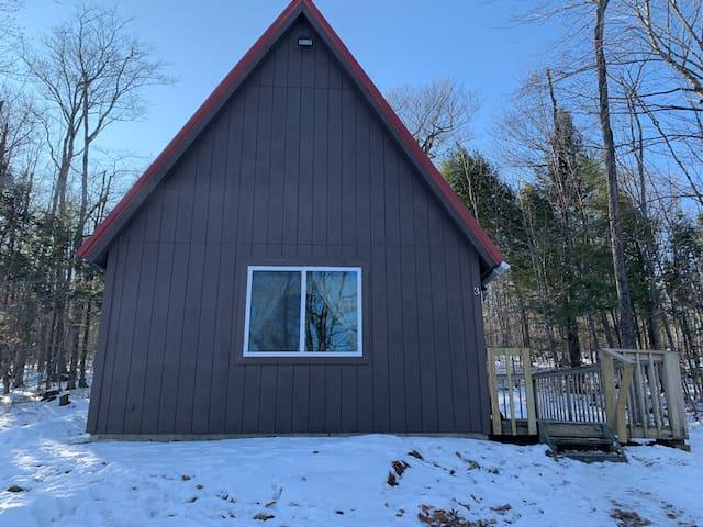 Cozy Cabin #3- Perfect Maine Getaway