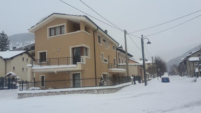 Casa Vacanze Valentina - Pescasseroli - Apartment