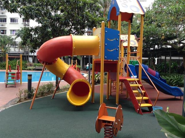 A&F Homestay Puncak Damansara Condominium A