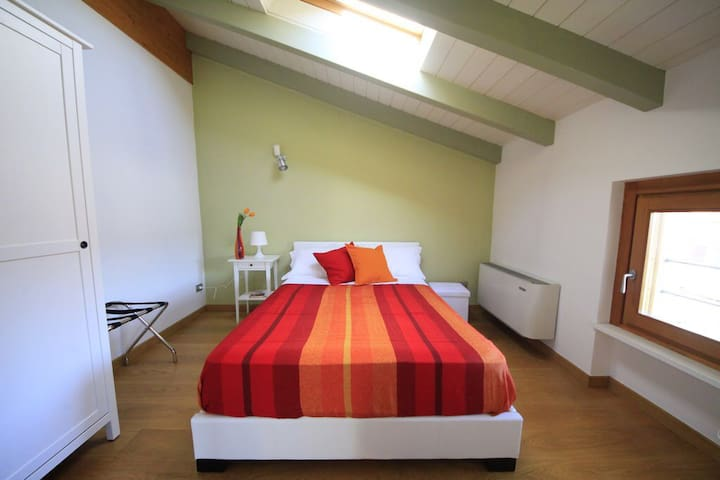 Camera Originario B&B La Mondina - Palazzolo Vercellese - Bed & Breakfast