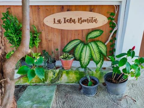 La Isla Bonita Experience