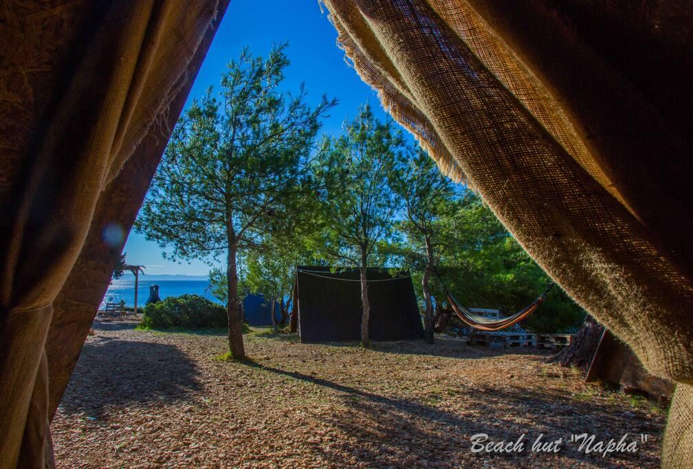 Beach Hut Napha - Garden view