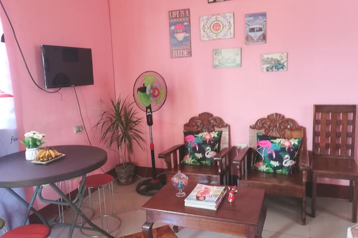 Agimat's Crib/for 6 pax/Near airport-SM/Fast WIFI
