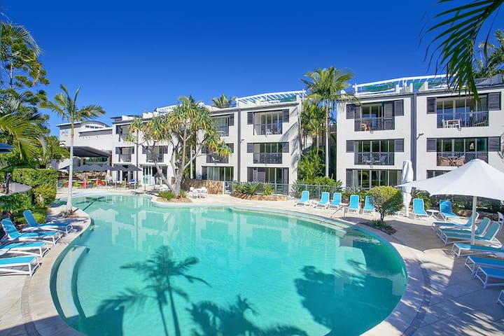 RESORT APARTMENT IN THE HEART OF NOOSA HEADS