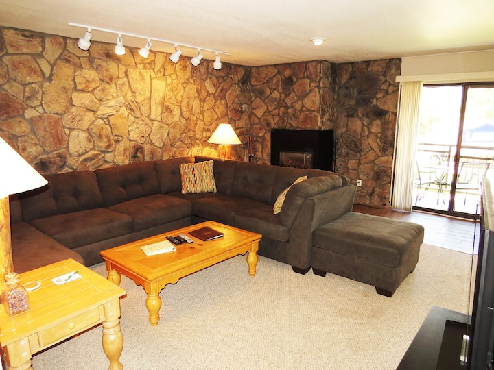 Ground Floor. Walk to Parks, Dining. Easy Drive to Slopes, Shops, Activities