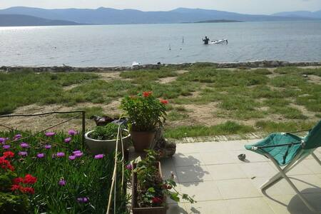 Vacation house just by the sea - Urla