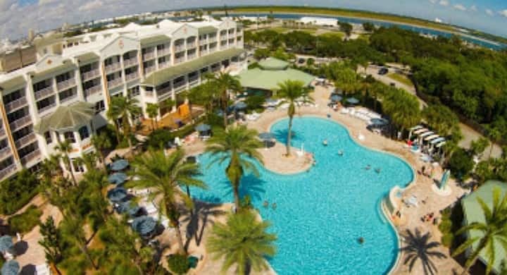 Cape/Coco Beach Resort,Beach/water park 7 Nights.